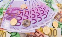Bruxelles veut que l'euro fasse face à l'atout du dollar sur la scène mondiale