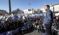 """Salvini propose à des milliers de fidèles """"une nouvelle communauté européenne"""""""