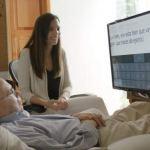 Une nouvelle technologie permet au patient atteint de sclérodermie de contrôler son ordinateur avec la vue