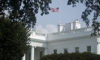 Deux semaines après la fermeture du gouvernement américain, il y a eu des accidents, des files d'attente et des dettes.