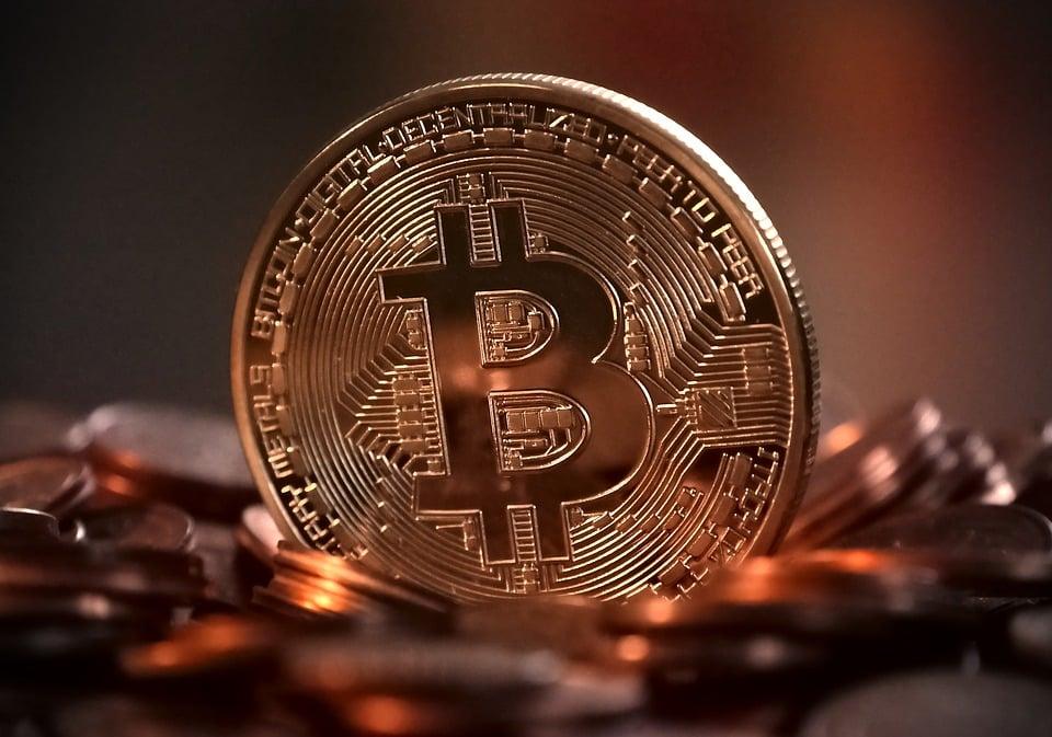 Bitcoin, un mot qui ne veut pas dire grand-chose lorsqu'on l'entend. Mais en anglais, cela signifie petite pièce et donc crypto-monnaies en langue française. Elles sont en plein essor grâce à leur nature décentralisée et à leur sécurité cryptée. Si vous n