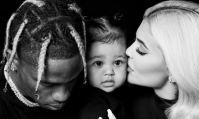 Kylie Jenner divertit ses fans sur Instagram avec un post avec son bébé.