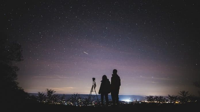 Découvrez 4 applications qui permettent d'observer les étoiles
