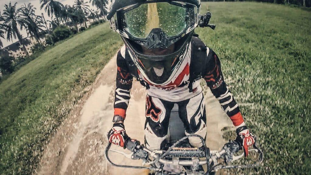 Les accessoires de moto cross