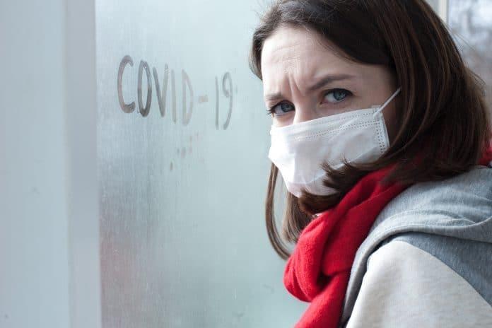 Pourquoi ne faut-il pas se voir en groupe pendant le coronavirus ?