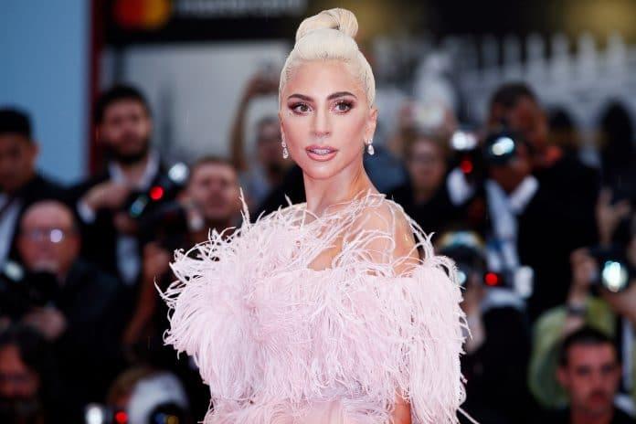 Lady Gaga fait une levée de fonds de 127 millions de promesses de dons
