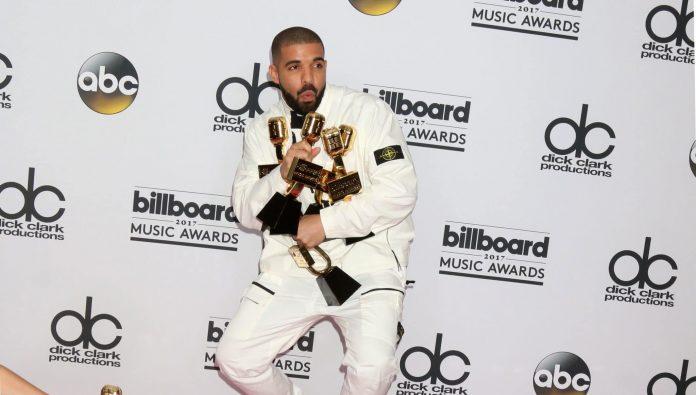 Drake s'offre une montre à 620 000$... dotée d'une véritable roulette de casino miniature !