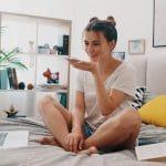 Confinement et bien-être : comment l'huile de CBD peut vous aider à vous relaxer