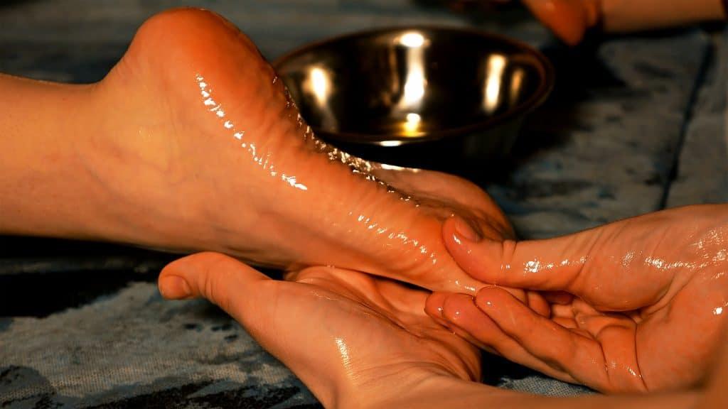 Comment réussir son massage tantrique en couple ?
