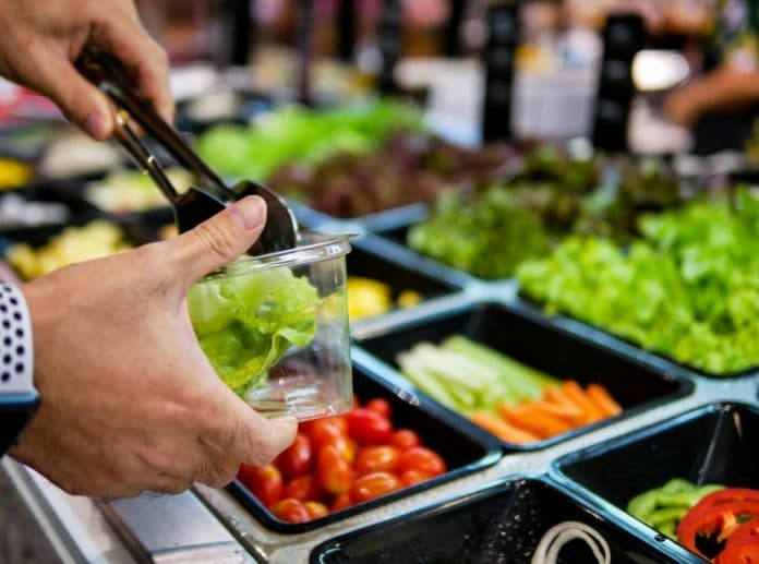 Ouvrir un restaurant healthy : quelle franchise choisir pour suivre la tendance ?