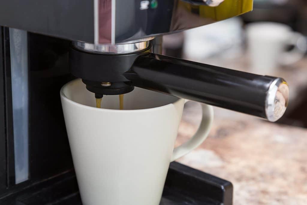 Comment bien choisir la machine à café d'entreprise ?