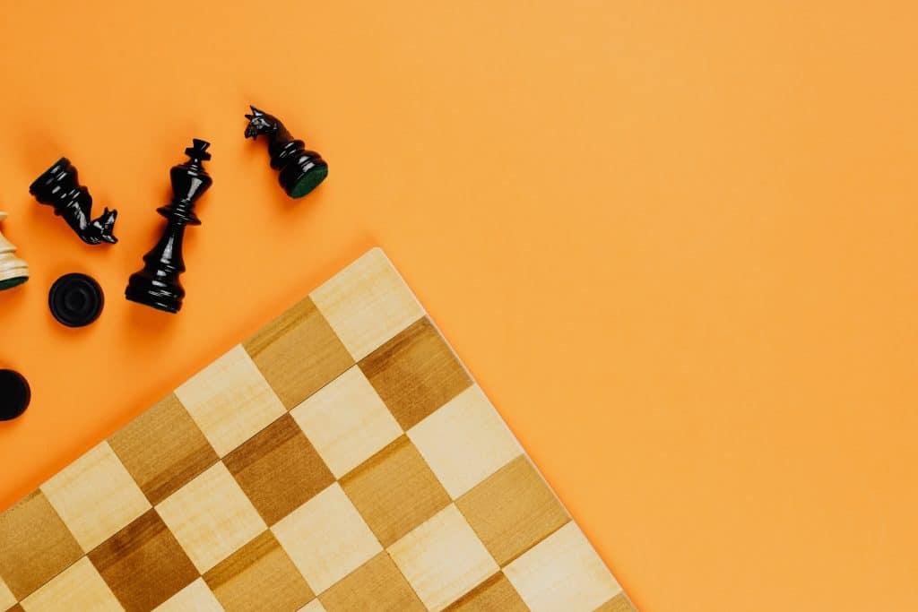 Les règles des échecs sont-elles bien respectées dans la série ?