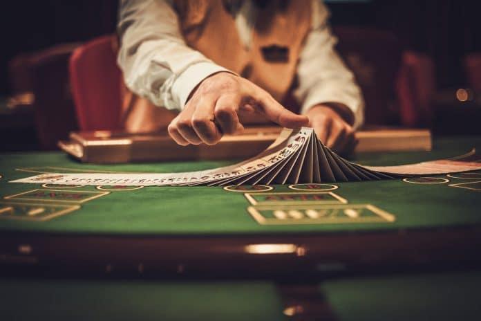 Poker en ligne : les YouTubeurs connus s'y mettent aussi ?