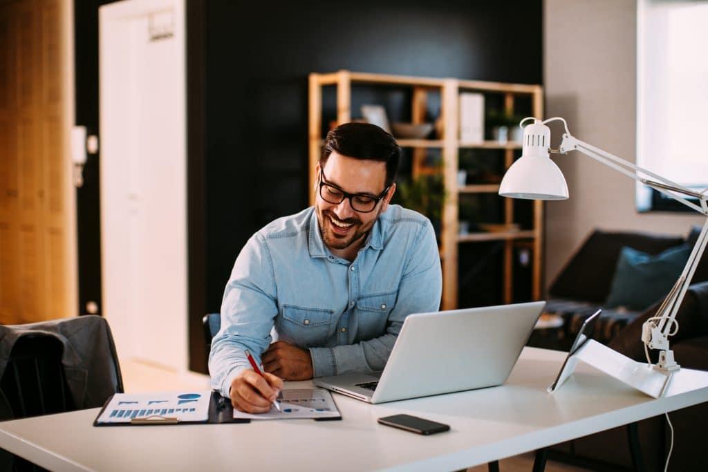 Le bien-être au travail passe aussi par un bureau à son goût