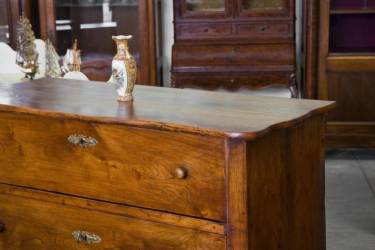 vieux meuble bois